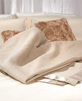 Picture of Aus Vio Silk Blanket - Taupe