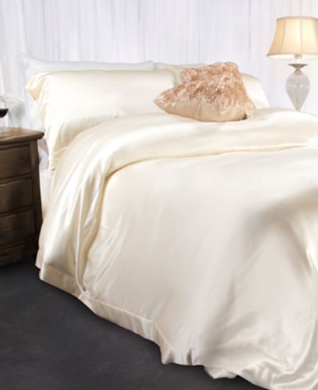 Picture of Aus Vio Silk Duvet Covers - Dawn - Queen Size