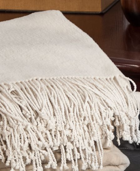 Picture of Aus Vio Silk Throw - Cream